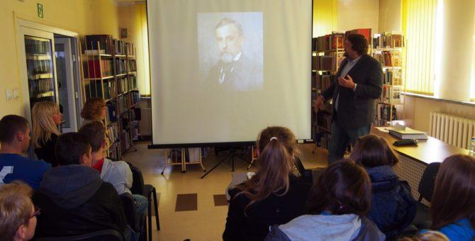 """W ramach Międzynarodowego Forum Inwestycyjnego i Pikniku Kultury Europejskiej (6 – 7 X 2016 r.) Biblioteka zorganizowała wykład na temat:""""Literatura polska w Europie"""", który w dniu 7 października o godzinie […]"""