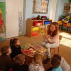 W ramach akcji Cała Polska Czyta Dzieciom 27 października bibliotekarka Anna Czajkowska odwiedziła przedszkolaków z Kubusiowego Przedszkola. W czasie spotkania dzieci z uwagą słuchały czytanych opowiadań o tematyce jesiennej. Przedszkolaki […]