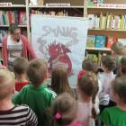 W piątek 15 maja 2015 r. bibliotekę przy ulicy Sezamkowej 23 odwiedziły dzieci z Przedszkola nr 6, które przybyły pod opieką pani Danuty Jaszewskiej i Grażyny Sochackiej-Hryciuk. Maluszki wzięły udział […]