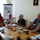 """18 września, po wakacyjnej przerwie odbyło się spotkanie DKK w Skarżysku-Kamiennej, uczestniczyło w nim 8 osób. Na spotkaniu omawiano trzy książki. Pierwsza to """"Herbaciarnia pod Morwami"""" Sharon Owens, jej bohaterowie […]"""