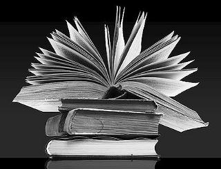 """TYDZIEŃ BIBLIOTEK pod hasłem : Biblioteka – słowa, dźwięki, obrazy.W ramach obchodów przygotowano w filiach m.in. lekcje biblioteczne, wycieczki do biblioteki.8-15 maja """"Minutka z książką""""– lekcje biblioteczne dla klas I […]"""