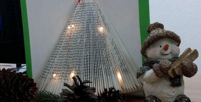 Wraz z nadejściem grudnia w Bibliotece Publicznej można poczuć bożonarodzeniowy klimat. W oczekiwaniu na Mikołaja z prezentami, w Czytelni Filii nr 1 przy ulicy Towarowej powstało świąteczne drzewko łączące w […]