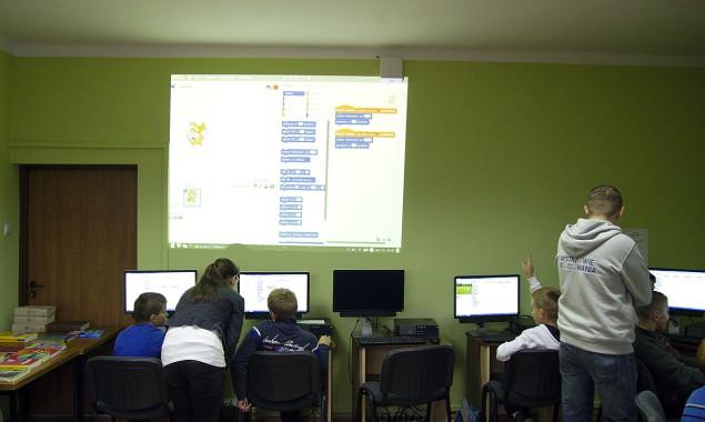 """Kodowanie w Bibliotece – pierwsze spotkanie W dniach od 10 do 18 października obchodzony jest """"Europejski Tydzień Kodowania"""". Jest to projekt społeczny, mający na celu popularyzację i promocję nauki programowania […]"""