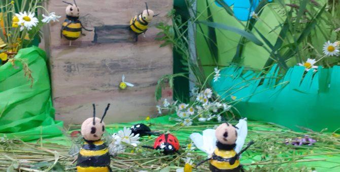 XIX Ogólnopolski Tydzień Czytania Dzieciom 5 czerwca –Dzień owadów. To okazja do wybrania się na wirtualny spacer po łące. Dzieci słuchając opowiadania czytanego przez bibliotekarza, mogą uczestniczyć w zabawie, naśladując […]