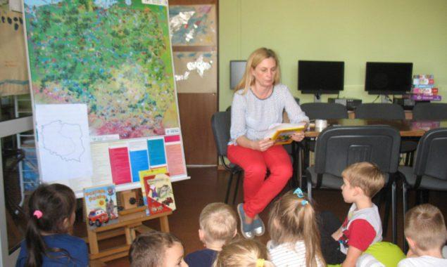 18 października 2017 r. w bibliotece przy ul.Towarowej mieliśmy przyjemność gościć dzieci z Przedszkola nr 1 z wychowawcą p. Beatą Kocią. Dzieci zwiedziły królestwo książki, dowiedziały się jak mogą zostać […]