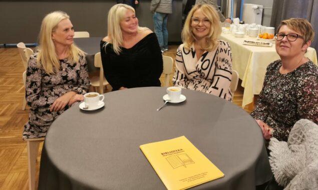 24 września br. odbyło się w ramach Dyskusyjnego Klubu Książki spotkanie autorskie z Małgorzatą Wardą – polską pisarką, rzeźbiarką, malarką i autorką tekstów piosenek. Spotkanie to poprowadziła p. Agnieszka Nowak […]