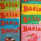 Basia to seria przygotowana specjalnie dla młodych czytelników, którzy chętnie poznają bliżej tą sympatyczną dziewczynkę oraz jej przyjaciół i ich codzienne problemy. To przepełnione całą gamą emocji historie o relacjach […]