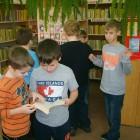 """Dnia 25.11.br.w bibliotece na ul. Sokolej, uczniowie klasy III Szkoły Podstawowej Nr 1 uczestniczyli w lekcji bibliotecznej. Trzecioklasiści świetnie znali tytuły wierszy biorąc w udział w mini-konkursie """"Czy znasz wiersze […]"""