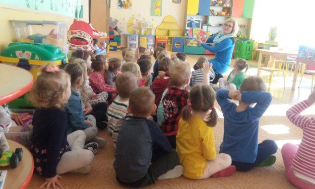 21 lutego 2019 r. dwie grupy dzieci z Przedszkola nr 7 uczestniczyły w spotkaniu z książką. Dzieci wysłuchałyczytanych przez bibliotekarza Oddziału dziecięcego w Filii nr 2 różnych bajek i opowieści […]
