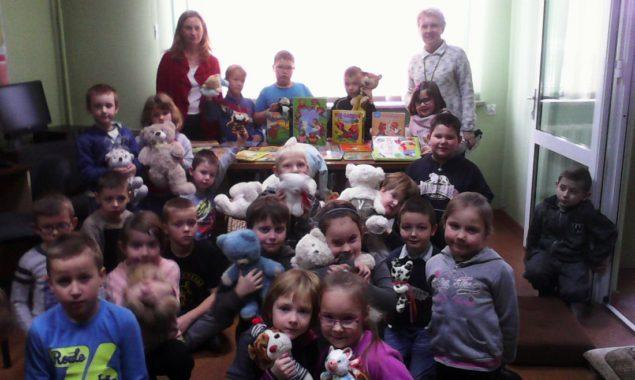 Z okazji Światowego Dnia Pluszowego Misia bibliotekę przy ul. Towarowej odwiedziły dzieci z klasy I Szkoły Podstawowej nr 8 z wychowawcą p. Donatą Czerwińską. Nasi goście przyszli do biblioteki ze […]