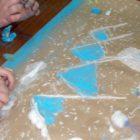 """""""Kuferek pełen niespodzianek"""" to jedna z atrakcji przygotowanych na czas ferii zimowych w bibliotece. W zajęciach tych 9 lutego uczestniczyły dzieci z Franciszkańskiej Świetlicy Środowiskowej wraz z opiekunami. W przygotowanym […]"""
