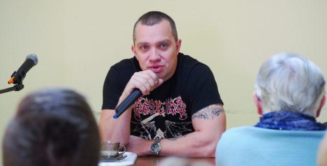 We wtorek, 5 grudnia o godzinie 12.00 w czytelni Biblioteki rozpoczęło się spotkanie z Łukaszem Orbitowskim. Spotkanie zrealizowano w ramach Dyskusyjnych Klubów Książki, we współpracy z Wojewódzką Biblioteką Publiczną w […]