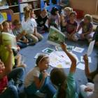 """""""O lwie, który stał się orłem"""" W """"Tygodniu Bibliotek"""" ruszył skarżyski pociąg do czytania, tym razem czytano przedszkolakom legendy o Skarżysku W dnia 08.05.2013 w spotkaniu edukacyjnym uczestniczyły dzieci z […]"""
