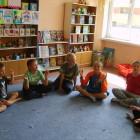 """""""Co to znaczy…?"""" to zajęcia odbywające się w w środę o godz.13, które rozwijają rożne zainteresowania poprzez zabawę i zachęcają dzieci do poznawania powiedzeń: """"Powiedzenie za pomocą gestu i miny"""", […]"""