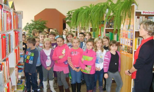 CZAR MAGII I HUMORU – w wierszach JULIANA TUWIMA Dnia 14 , 15 i 19 listopada w bibliotece Oddziału dziecięcego F.1 odbyły się lekcje biblioteczne, w których uczestniczyli uczniowie klas […]