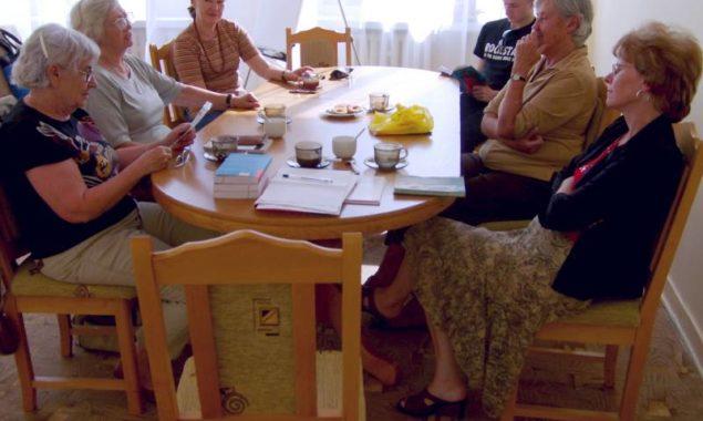 """26 czerwca odbyło się kolejne spotkanie DKK, na którym omawiana była książka Petry Hůlovej """"Czas Czerwonych Gór"""". W spotkaniu wzięło udział 6 osób. """"Czas Czerwonych Gór"""" to debiutancka powieść […]"""