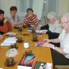 """17 listopada odbyło się spotkanie DKK w Skarżysku-Kamiennej, uczestniczyło w nim 9 osób, przedmiotem dyskusji była książka Artura Wawryszuka """"Kurs pisania nekrologów"""". Książka jest trochę intrygująca i tajemnicza bowiem jej […]"""