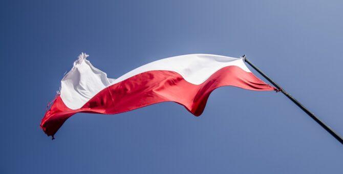 Sejm Rzeczypospolitej Polskiej, świadomy znaczenia Konstytucji 3 Maja jako ważnego elementu pamięci zbiorowej, oddając hołd wszystkim, którzy przyczynili się do powstania tego wiekopomnego aktu – myślicielom politycznym, posłom na Sejm […]