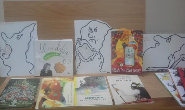 WANDALIA W BIBLIOTECE Dnia 8 i 14 października 2014 r. w Oddziale Dziecięcym Filii nr 2 biblioteki przy ulicy Sezamkowej 23 odbyły się lekcje dla przedszkolaków inspirowane twórczością Wandy Chotomskiej. […]