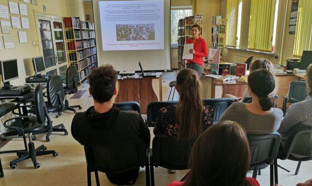 W dniach 19 i 22 października 2018 r. w Czytelni przy ul. Towarowej gościliśmy uczniów I Liceum Ogólnokształcącego. Wzięli oni udział w zajęciach organizowanych przez Bibliotekę z okazji 100. rocznicy […]