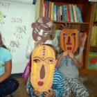 """""""Bez paszportu do Afryki"""" – jak biblioteka dziecięca przy ul. Sezamkowej dzięki wyobraźni dzieci zamieniła się w """"Dżunglę"""".Mali podróżnicy spod znaku """"Lamparta"""" i spod znaku """"Żyrafy"""" uczestniczyli w grach naśladowczych […]"""