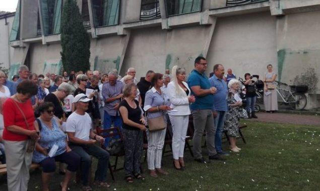 Po raz pierwszy w Skarżysku, 1 sierpnia br. w 75 rocznicę wybuchu Powstania Warszawskiego, nasza Biblioteka wspólnie z oo. Franciszkanami i Światowym Związkiem Żołnierzy Armii Krajowej Środowiska Szaraków, zorganizowała spotkanie […]