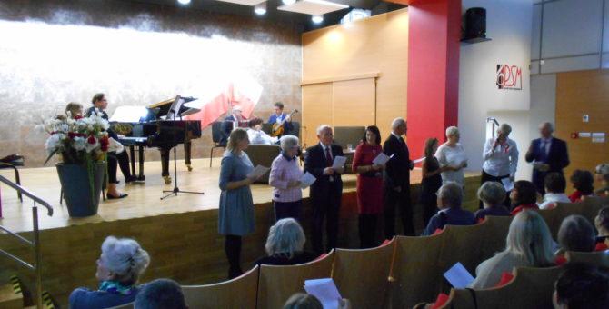 W rodzinnej atmosferze upłynął koncert 11 listopada 2019 r. zorganizowany przez naszą Bibliotekę we współpracy ze Szkołą Muzyczną w Skarżysku-Kamiennej. Koncert mający na celu celebrowanie święta odzyskania niepodległości Polski zgromadził […]