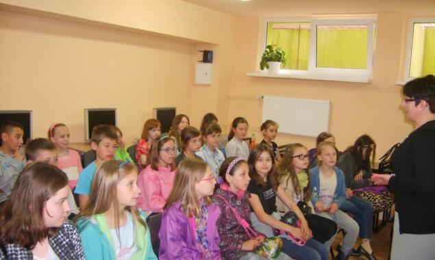 20 maja 2015r. Filię nr 2 Powiatowej i Miejskiej Biblioteki Publicznej w Skarżysku-Kamiennej odwiedzili uczniowie klasy IV i V ze Szkoły Podstawowej nr 2. W Czytelni odbyło się spotkanie, podczas […]