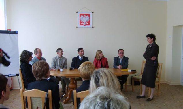 10 maja 2007 r. odbyło się spotkanie bibliotekarzy, władz miasta i powiatu; uroczyste wręczenie legitymacji członków Stowarzyszenia Bibliotekarzy Polskich koła skarżyskiego.