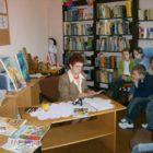 """Dnia 22.03.2007 roku odbyło się w bibliotece spotkanie z p. Elżbietą Jach, która w ramach Akcji """"Cała Polska czyta dzieciom"""" czytała dzieciom bajeczki swojego autorstwa."""