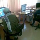 W ostatnim tygodniu warsztatów seniorzy zapoznali się z komunikatorem internetowy, nauczyli się korzystać z zaawansowanych form wyszukiwania wiadomości. Kolejne spotkanie dotyczyło poruszania się w systemach bankowości elektronicznej (ćwiczenia na systemach […]